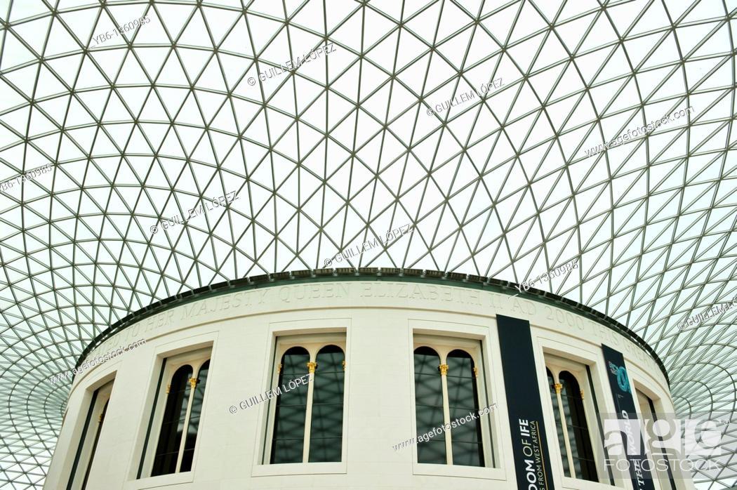 Stock Photo: British museum Courtyard, London, England, UK.