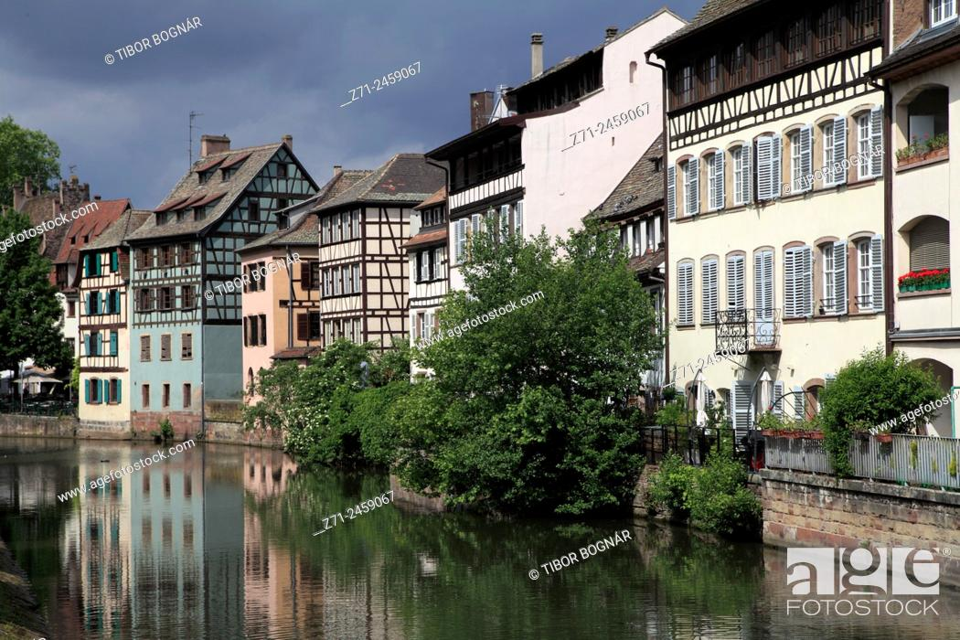 Stock Photo: France, Alsace, Strasbourg, Petite France, street scene, typical architecture.