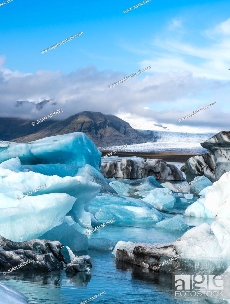 Stock Photo: Vatnajokull glacier. Iceberg in Jokulsarlon. Iceland.
