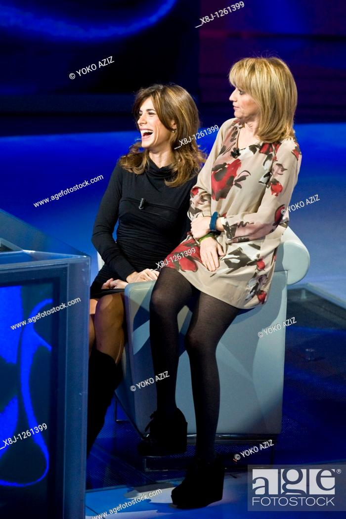 Imagen: 21 11 2010, Che tempo che fa, RAI 3, Milan  Elisabetta Canalis and Luciana Littizzetto.