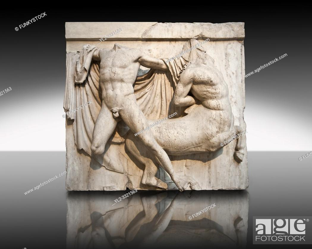 Imagen: Sculpture of Lapiths and Centaurs battling from the Metope of the Parthenon on the Acropolis of Athens no XXVII. Also known as the Elgin marbles.