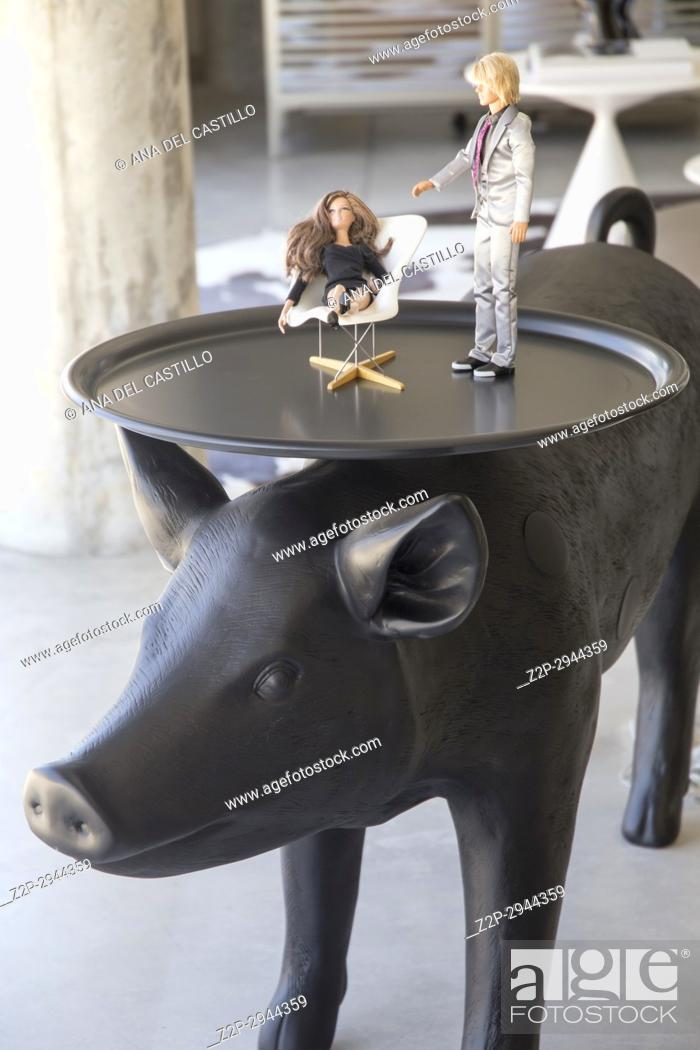 Stock Photo: Cool decoration pig table in living room.