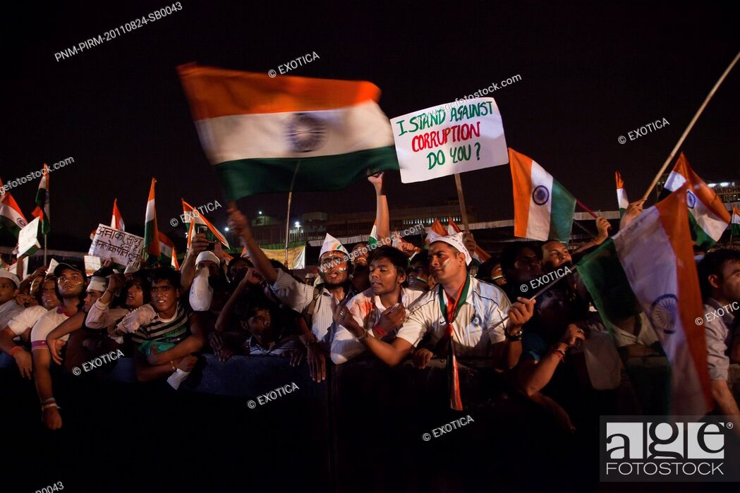 Stock Photo: People protest against corruption in Anna Hazares indefinite fast, Ramlila Ground, New Delhi, India.