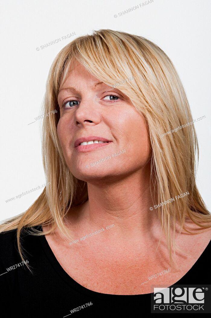 Imagen: Portrait of mid adult Caucasian woman.