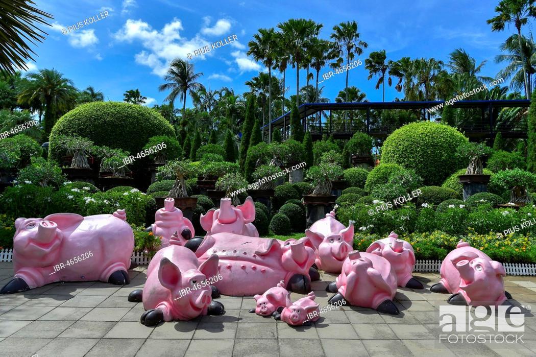 Stock Photo - Pig figures, Nong Nooch Tropical Botanical Garden, Pattaya, Thailand
