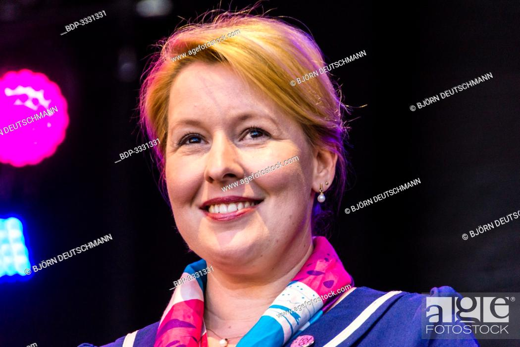 Stock Photo: Kiel, Germany - June 22nd 2019: Federal Minister of the Family Franziska Giffey is opening the 125th Kieler Woche together with the Lord Mayor Ulf Kämpfer and.