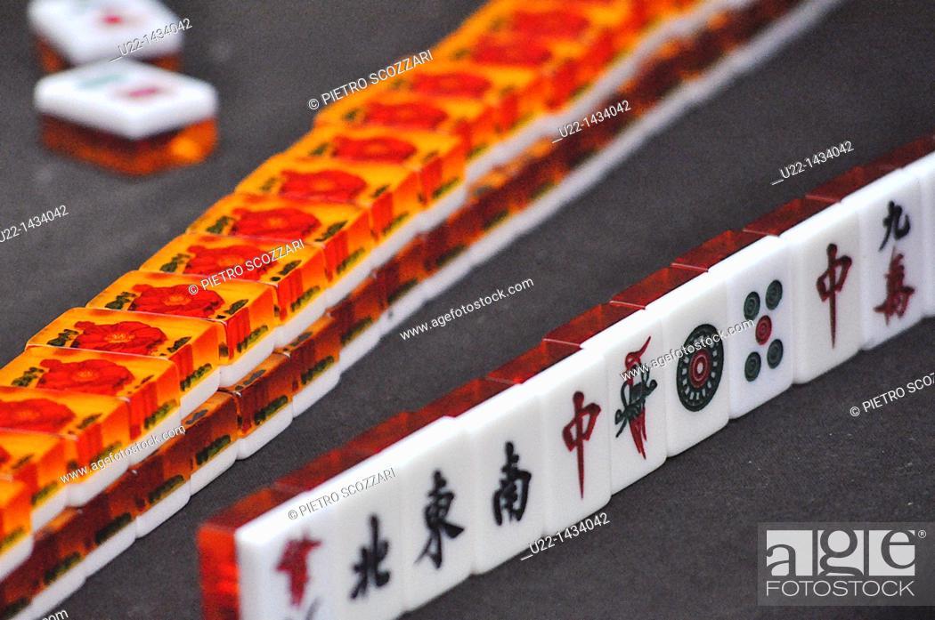 Stock Photo: Yangshou (China): Mahjong dominos.