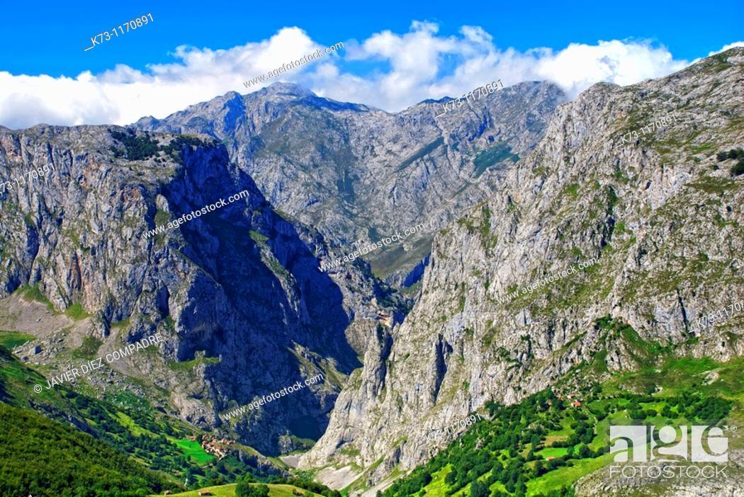 Stock Photo: Bulnes. Concejo de Cabrales. Picos de Europa National Park. Asturias. Spain.