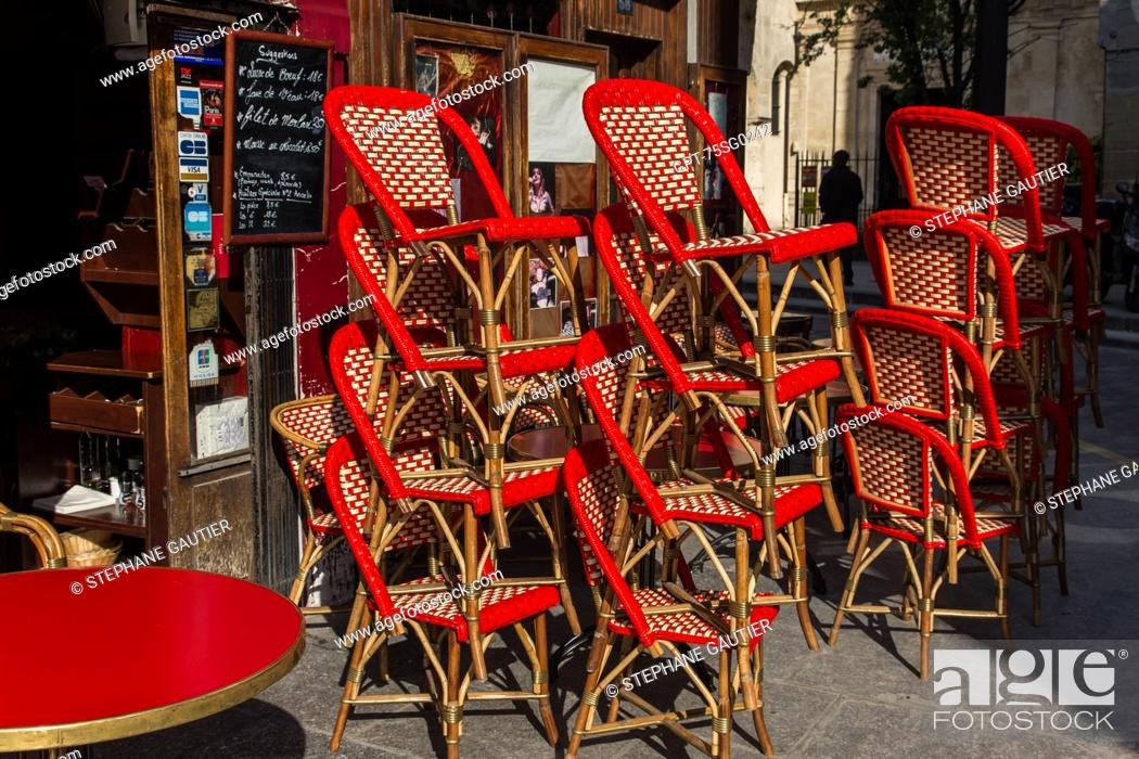 Wicker Bistro Chairs Typical Of The Cafes Brasseries Restaurants Of Paris Paris Ile De France Stock Photo Picture And Rights Managed Image Pic Gpt 75sg0242 Agefotostock