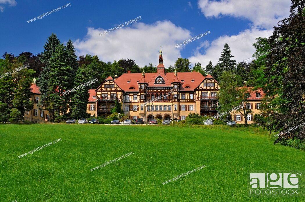 Imagen: 'High Meadow' Hospital in Kowary, Lower Silesian Voivodeship, Poland.
