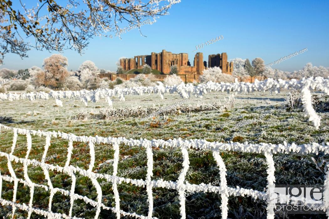 Stock Photo: Hoarfrost - Warwickshire - England - Showing Kenilworth Castle - Partially destroyed during English Civil War.