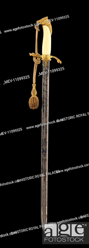 Victorian sword with a gilt pommel in the shape of a horse's head