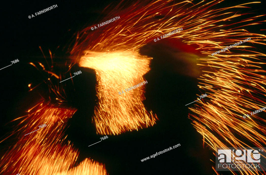 Imagen: Heavy industry. Metal grinder.