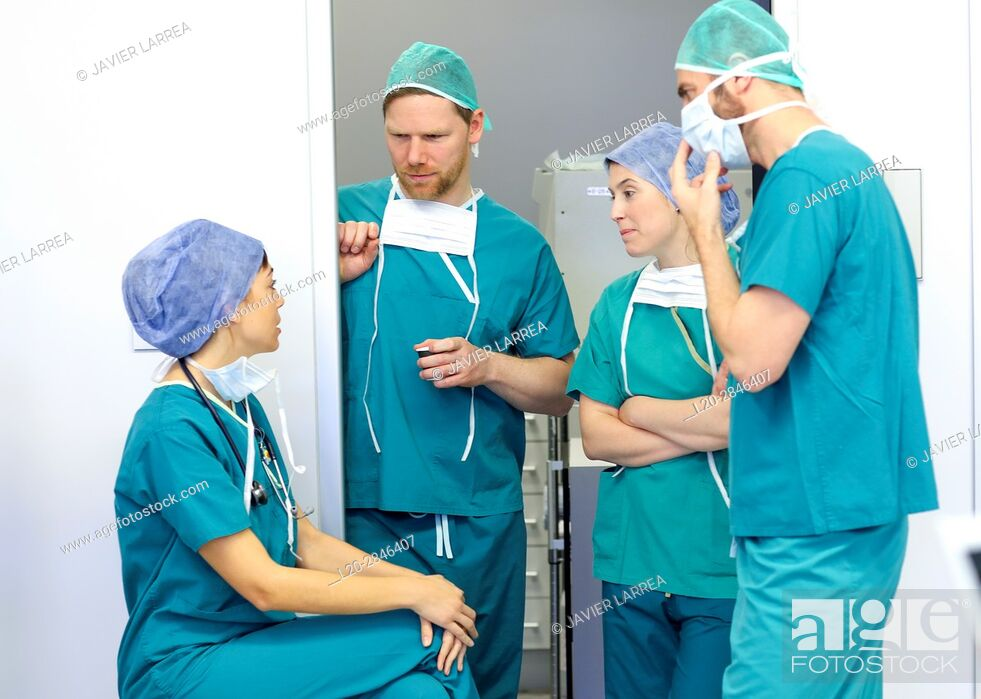 Stock Photo: Surgeon, Surgery, Operating room, Hospital, Spain.