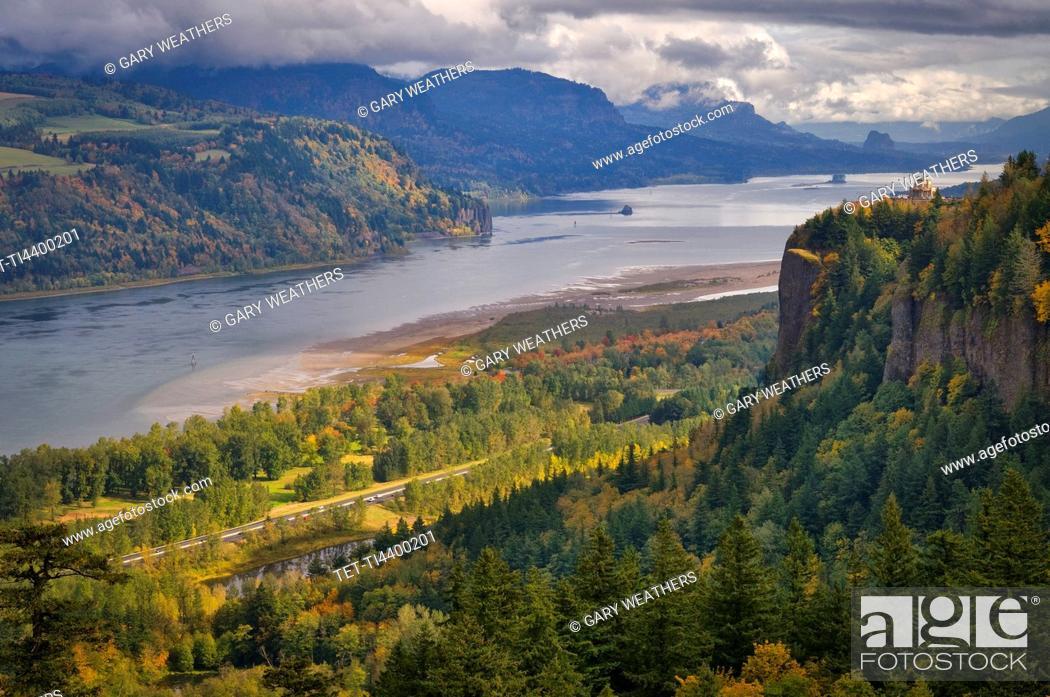 Stock Photo: USA, Oregon, Columbia River Gorge.