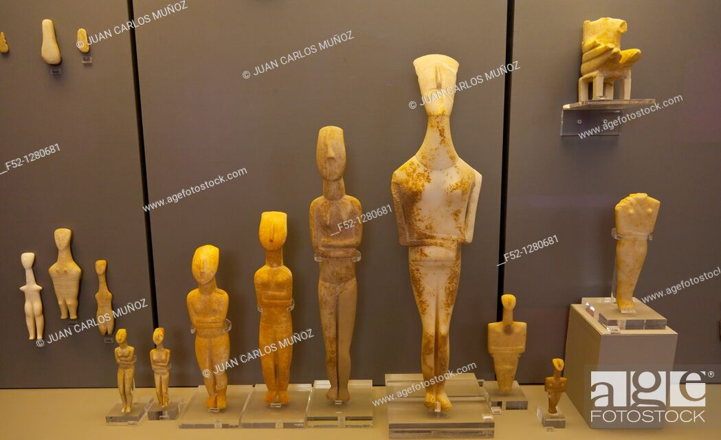 Photo de stock: Cycladic statues, National Archaeological Museum, Athens, Greece.