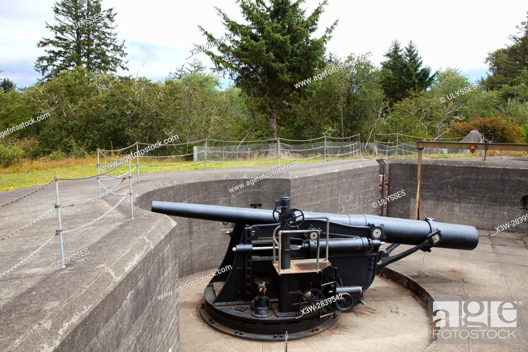 Stock Photo: Cannon, Battery Pratt, Fort Stevens, historical site, area of Warrenton, Astoria, Oregon, USA, America.