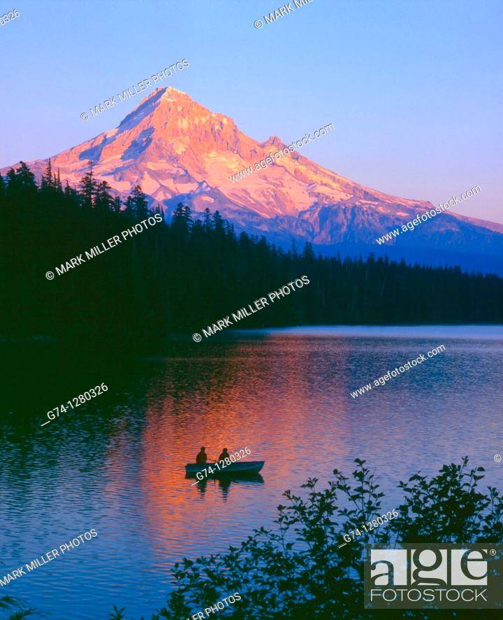 Stock Photo: Mount Hood and Lost Lake at sunset, Oregon, USA.
