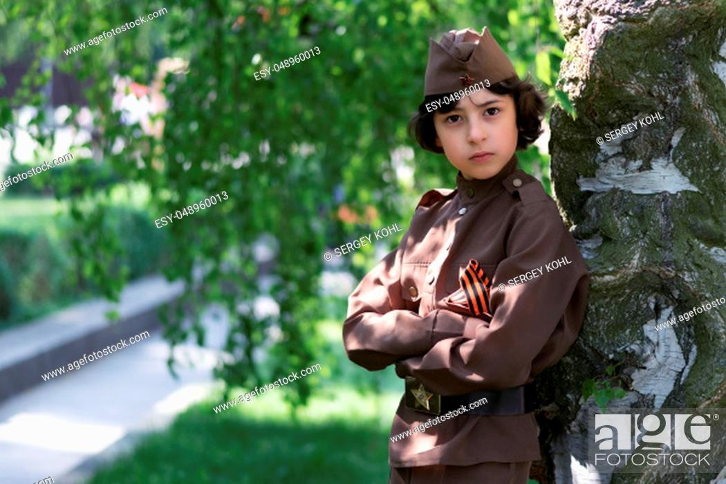 Imagen: Portrait of a boy in the uniform of a soldier of the Red Army during the Second World War.