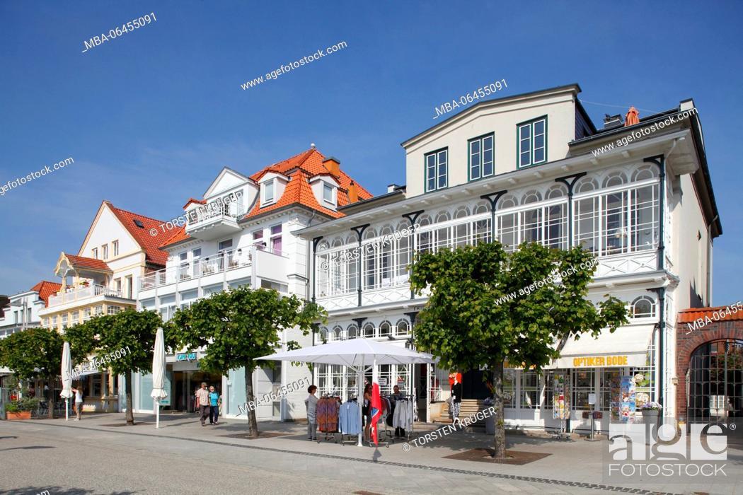 Stock Photo: Houses in the front row, promenade, Lübeck-Travemünde, Schleswig - Holstein, Germany,.