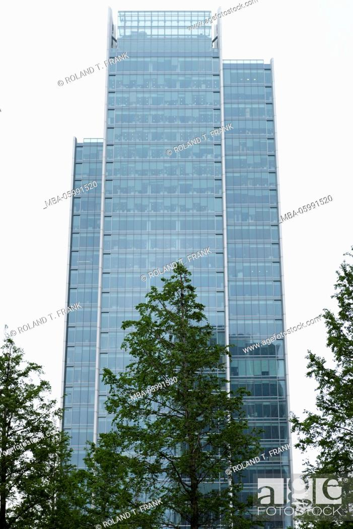 Stock Photo: England, London, modern architecture in the docklands.