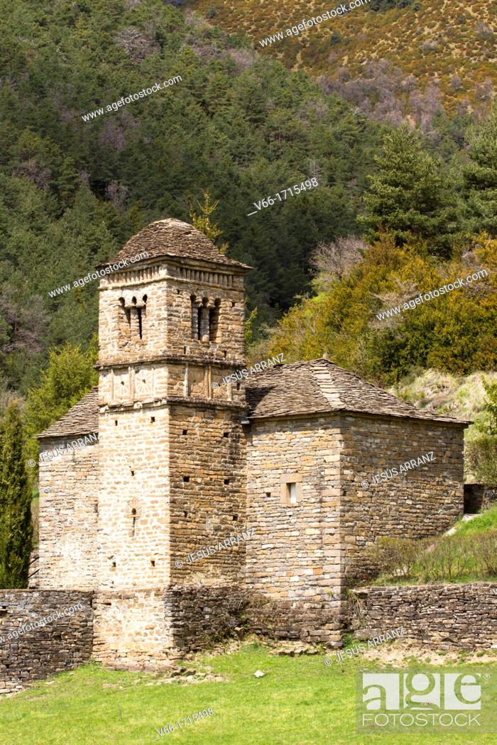 Imagen: Romanesque church of San Bartolome in Gavín.