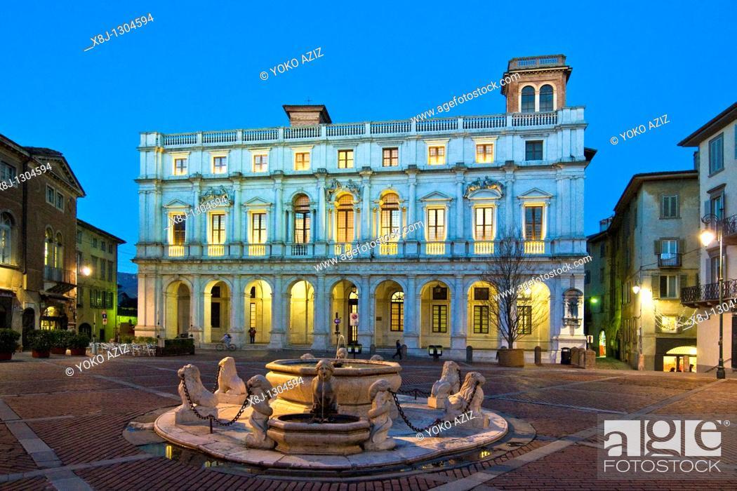 Stock Photo: Contarini fountain, Piazza Vecchia, Bergamo, Italy.