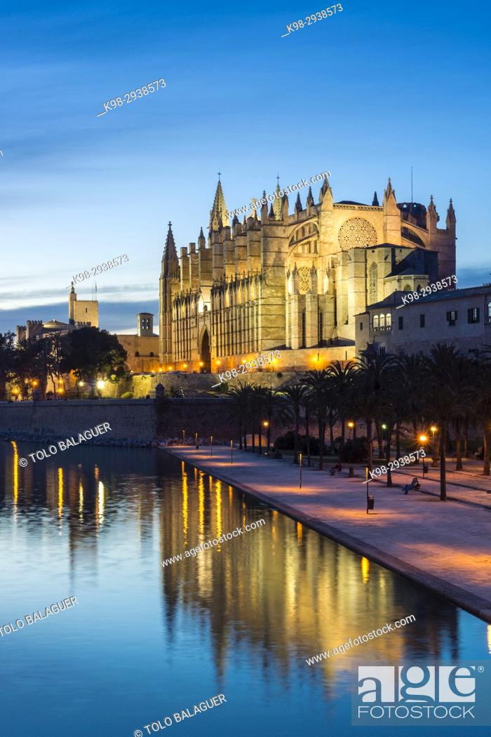 Stock Photo: Catedral de Mallorca, Catedral-Basílica de Santa María, siglo XIV, Monumento Histórico-artístico, Palma de Mallorca, Mallorca, balearic islands, spain, europe.