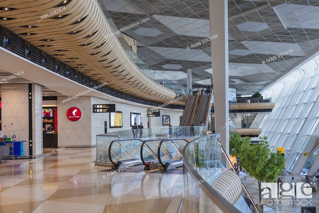 Photo de stock: Heydar Aliyev International airport interior, Baku, Azerbaijan.