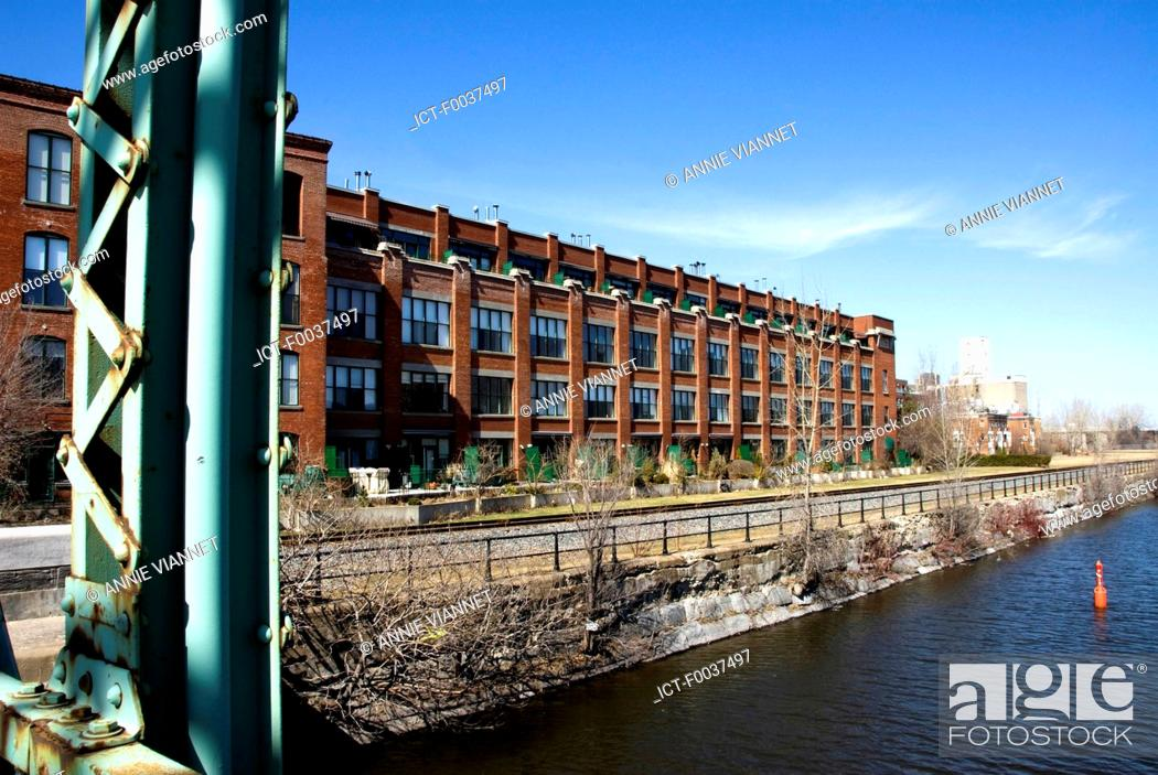 Stock Photo: Canada, Quebec, Montreal, Lachine canal, Peel, houses.