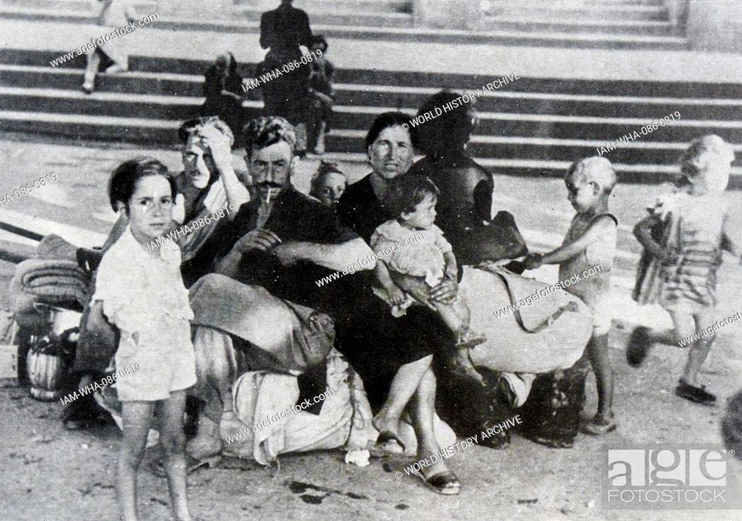 Photograph of a poor Italian family during the summer  Dated 20th