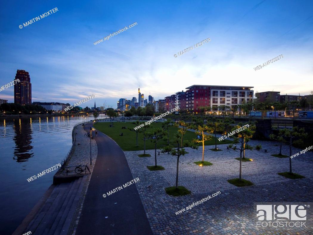Stock Photo: Germany, Hesse, Frankfurt, Ostend and skyline of Frankfurt.