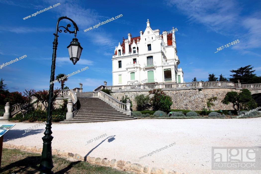 Stock Photo: Argeles sur mer, Park and Castle of Valmy.