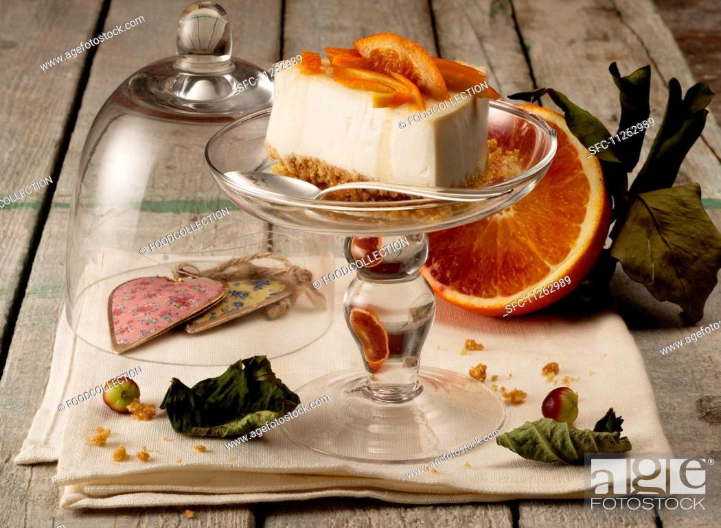 Photo de stock: Orange cheesecake.