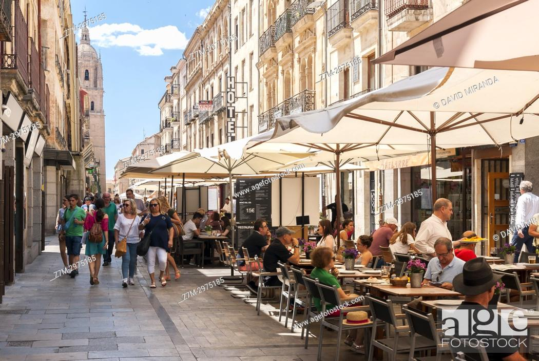 Imagen: Rua Mayor. Salamanca. Ciudad Patrimonio de la Humanidad. Castilla León. España.