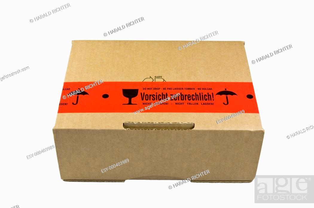 Paket Mit Aufkleber Vorsicht Zerbrechlich Stock Photo