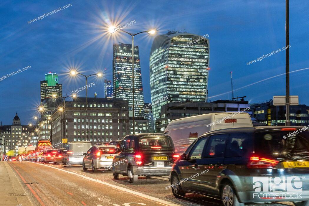 Stock Photo: England, City of London-Heavy traffic on London Bridge.