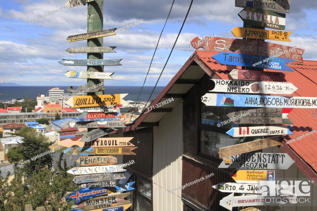 Imagen: Chile, Magallanes, Punta Arenas, signs of distances, .