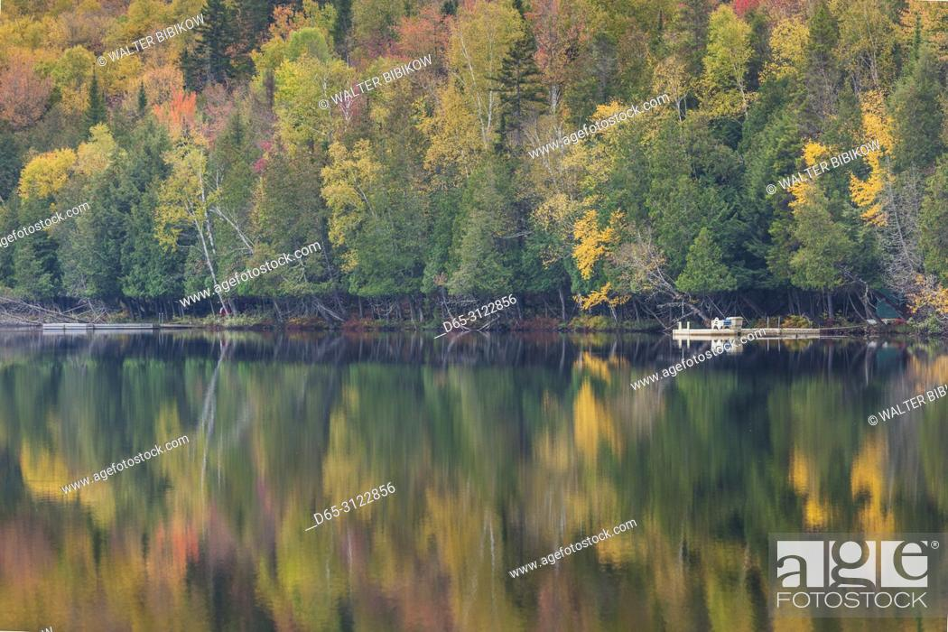 Stock Photo: Canada, Quebec, The Laurentians, Mont Tremblant, Mont-Tremblant Village, Lac Ouimet, autumn.