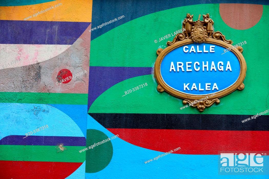 Stock Photo: Urban art tourist tour of Bilbao La Vieja, Graffitis, Bilbao, Bizkaia, Basque Country, Spain, Europe.