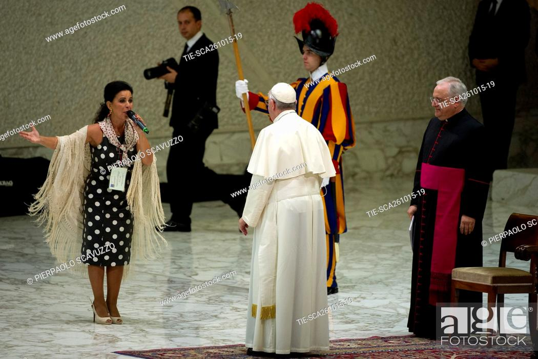 Pope Francis greets Maria Jose' Santiago a famous gypsy