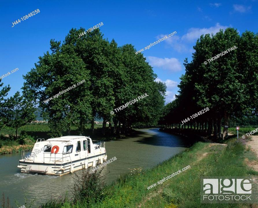Stock Photo: France, Europe, Canal du midi, motor, Boat, holiday, sailing, down, French, countryside, Aude, Languedoc, Roussillon,.
