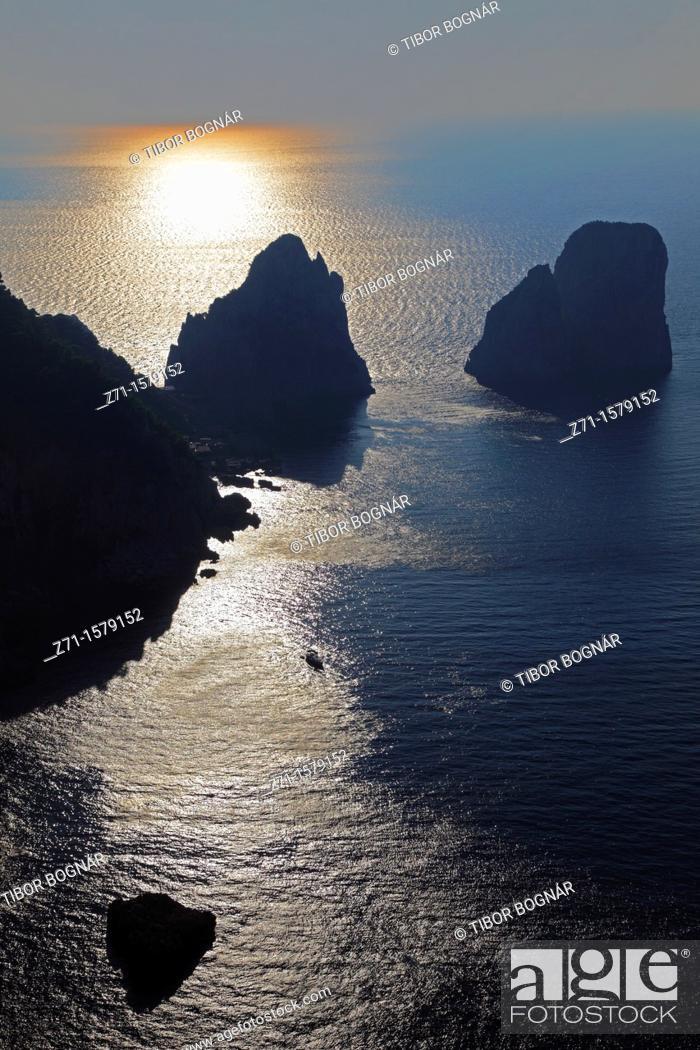 Stock Photo: Italy, Campania, Capri, Faraglioni, rocks,.