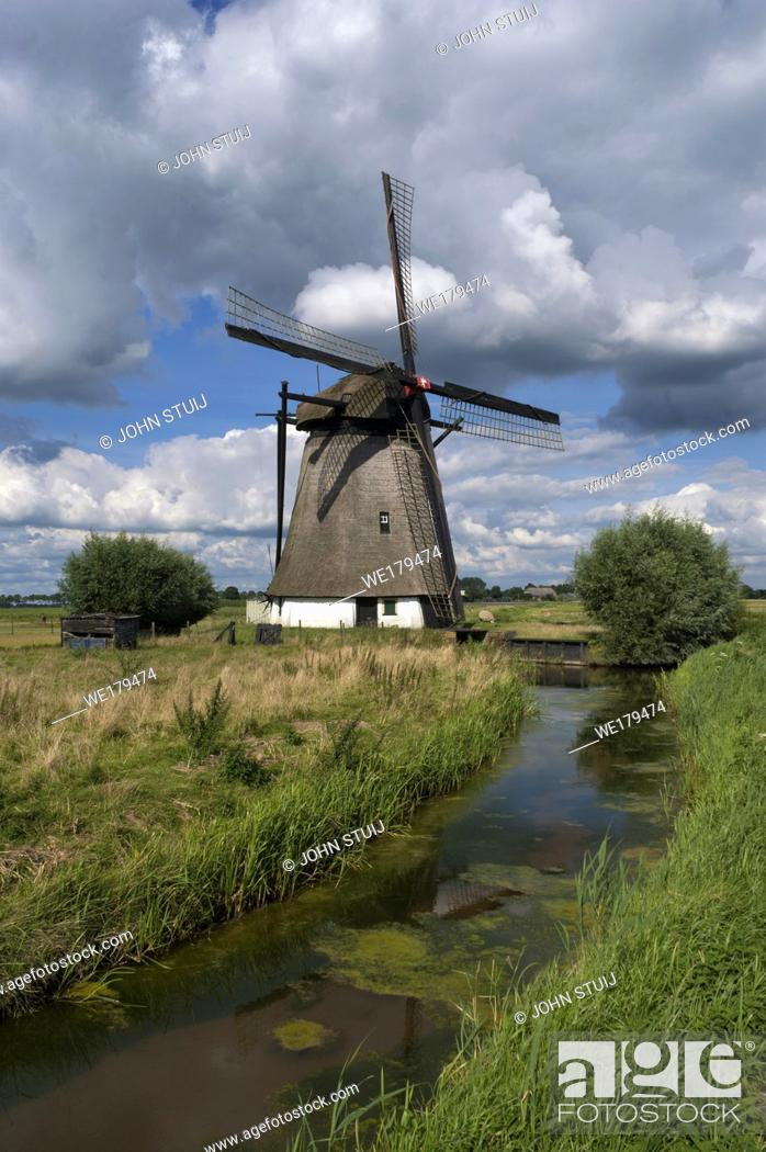 Stock Photo: Oude Doornse mill is a windmill near Almkerk in the Dutch province Noord-Brabant.