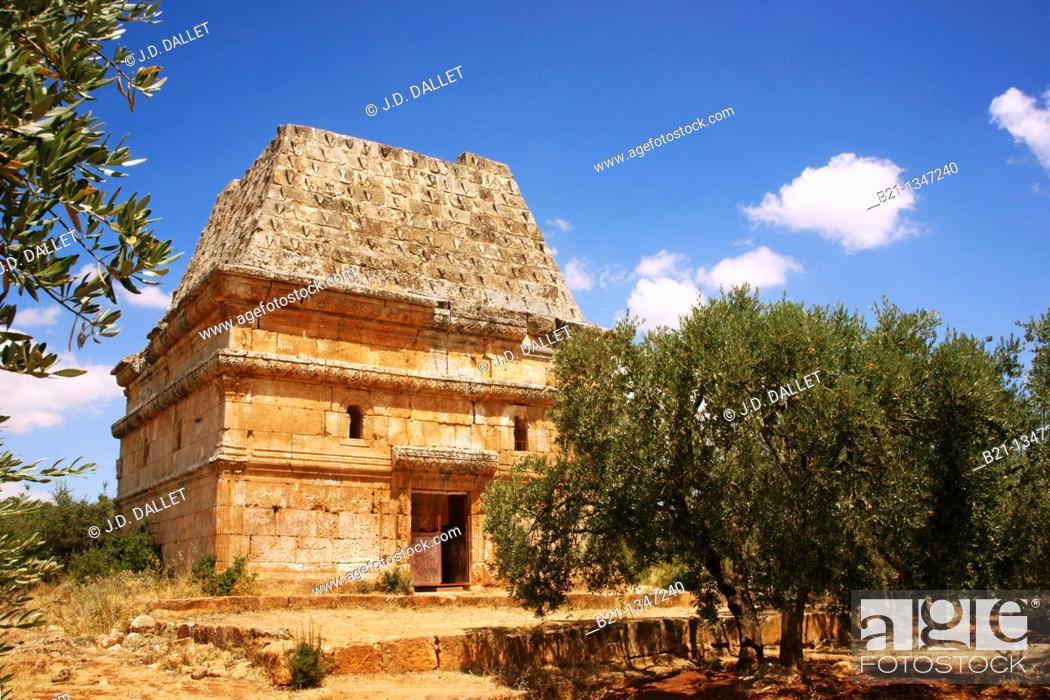 Stock Photo: 'Msauka' funerary tower, Al-Bara (4th century), Syria.