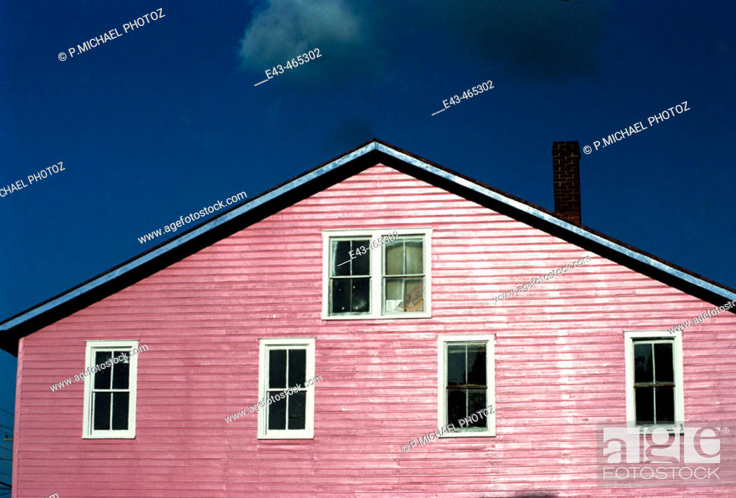 Stock Photo: Pink house with 6 windows.