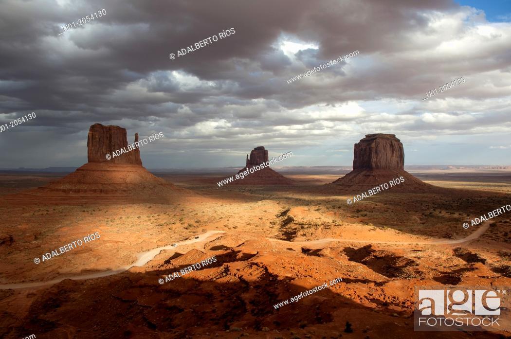 Stock Photo: Monument Valley, Arizona/Utah, USA.