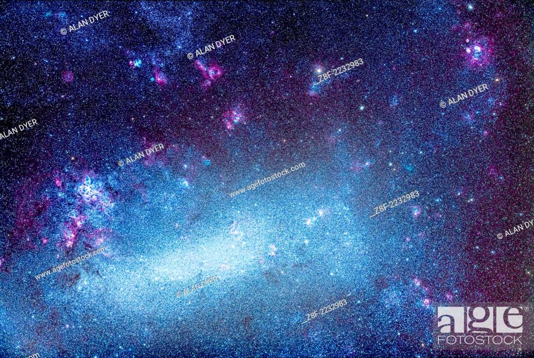 Imagen: The Large Magellanic Cloud (LMC), an irregular satellite galaxy of the Milky Way, and one of the prime attractions of the southern hemisphere sky.