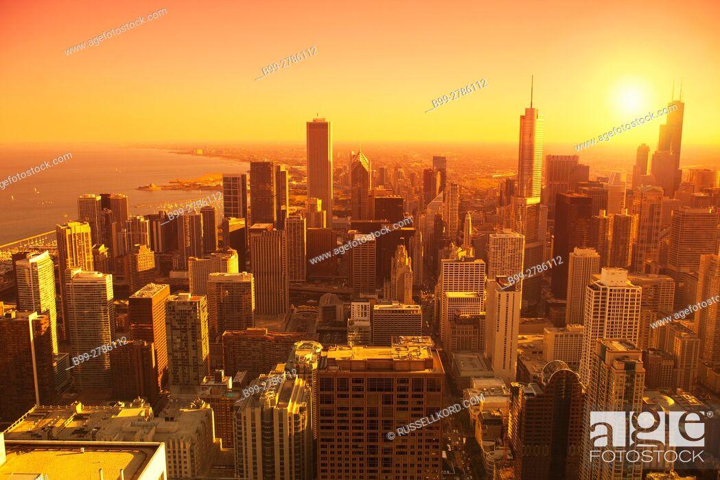Stock Photo: LOOP SKYLINE DOWNTOWN CHICAGO ILLINOIS USA.
