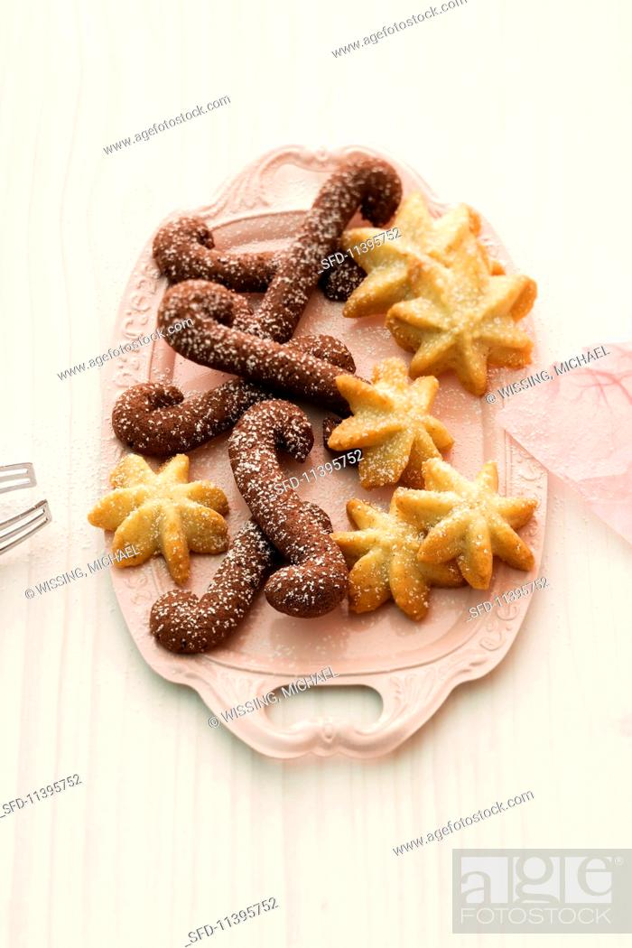 Various Spiced Christmas Biscuits On A Serving Platter Stock Photo
